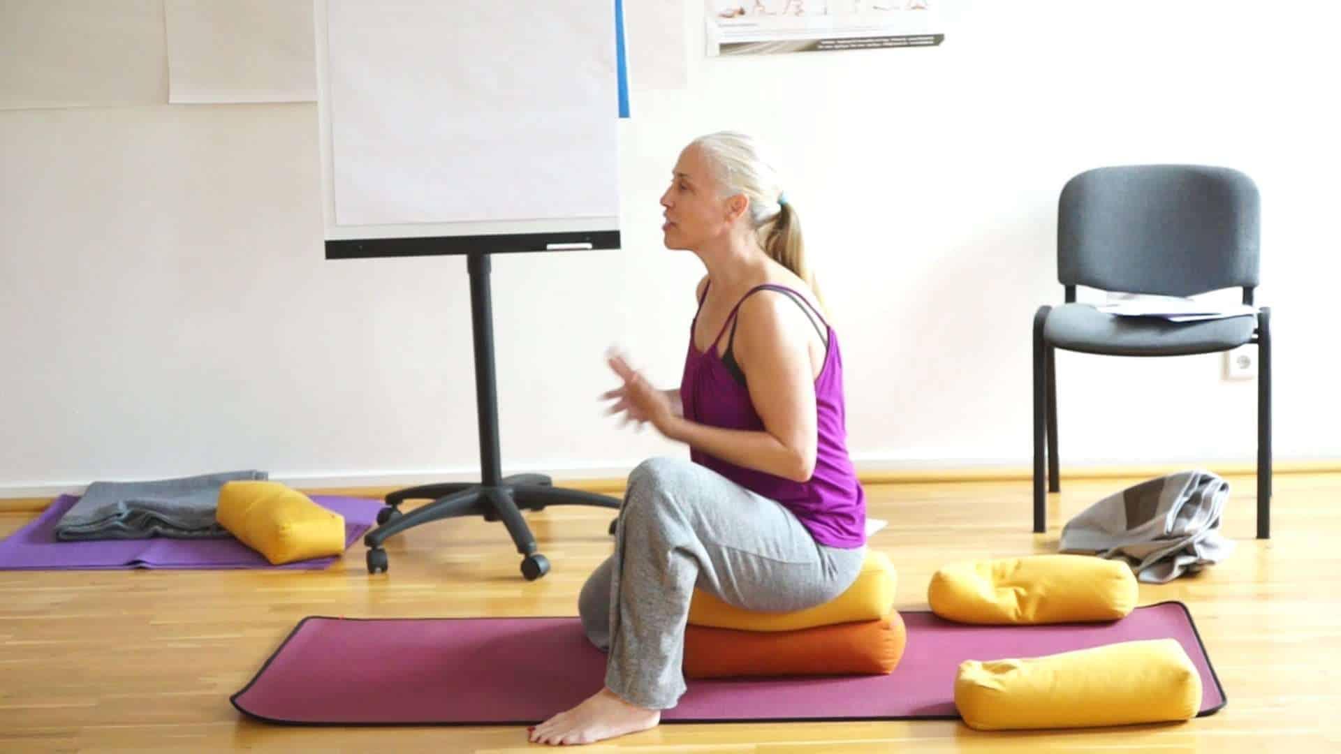 Bridget zu sthira sukha asanam eine persönliche Erfahrung – YouTube – Yogalehrerausbildung